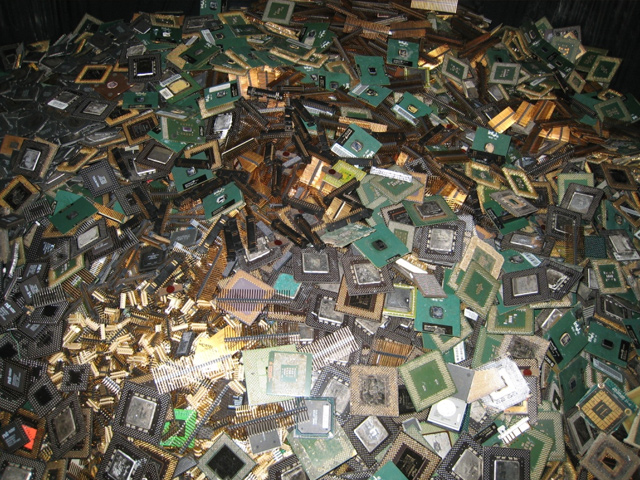 Printed Circuit Boards With Gold Plated Chips Recycling Gold